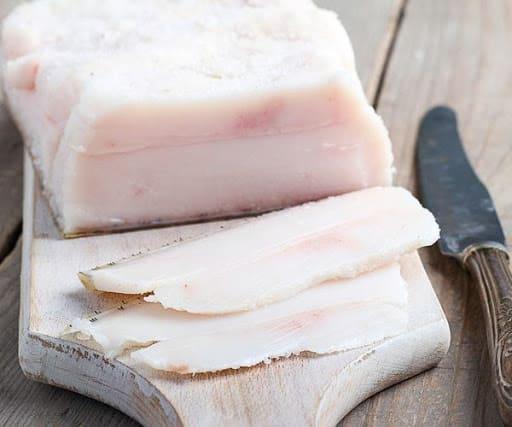 Сколько стоит свежее свиное сало